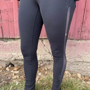 Great lulu lemon with discount due to small hole
